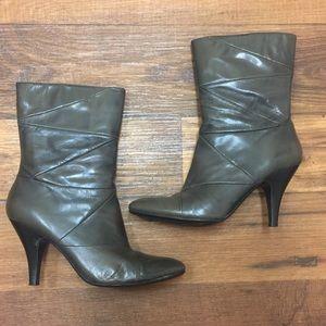 Nine West heeled boots size 8.5